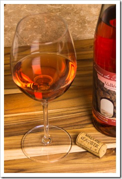 Care for a glass of Donnas Paradis Rosé?