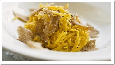 Tajarin with Truffles. Photo credit: https://www.finedininglovers.com/recipes/first-course/italian-recipes-tajarin-white-truffle/