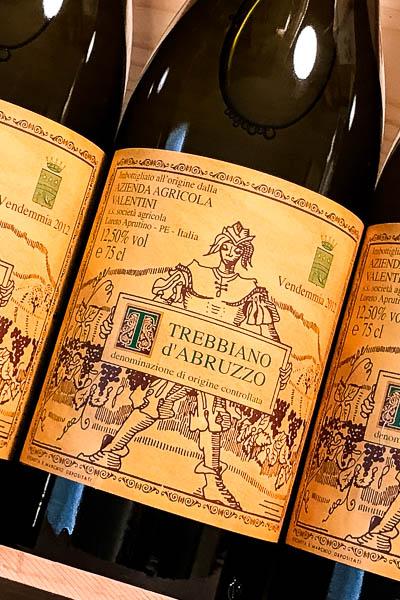 Valentini Trebbiano d'Abruzzo 2012 on dalluva.com